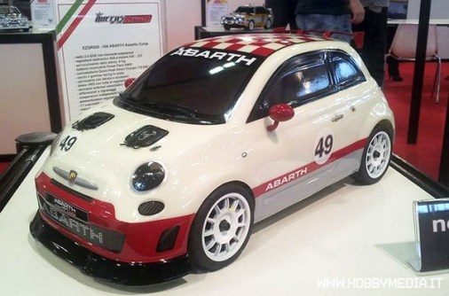 queens-of-the-road-fiat-500-abarth-model-games-2014