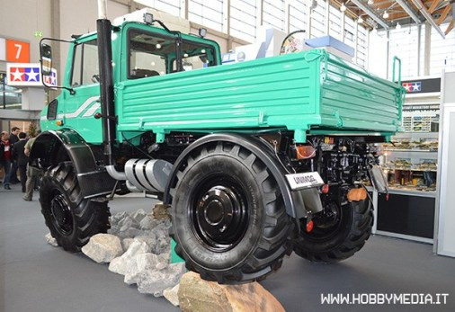 tamiya-mercedes-benz-unimog-425-3