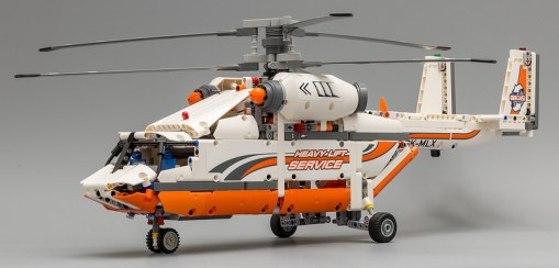 lego-technic-heavy-lift-helicopter-elicottero