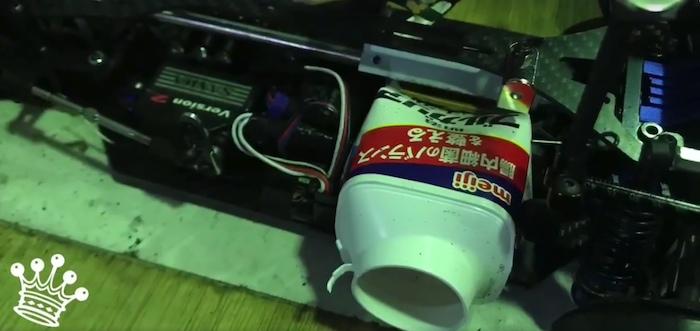 suono di un motore a scoppio su un automodello elettrico