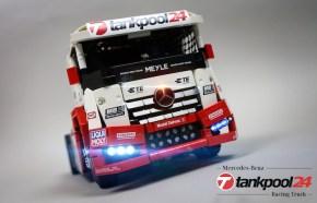 Lego Technic: Camion Mercedes-Benz Tankpool Radiocomandato