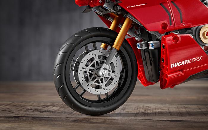 LEGO Technic: Ducati Panigale V4 R