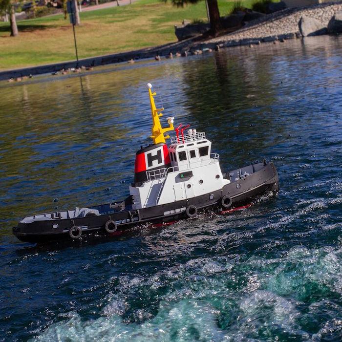 Pro Boat Horizon Harbor Tug Boat azione