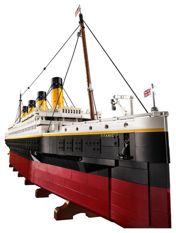 LEGO- Titanic - Arriva la riproduzione del leggendario transatlantico britannico (set 10294