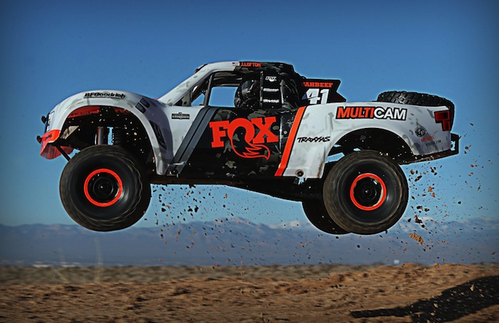 Traxxas: Unlimited Desert Racer Snow Session - Video