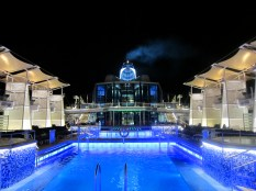 The pool at night - very cool