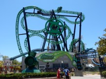 Took a picture of Green Lantern but did NOT go on it