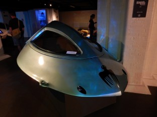Diamonds Are Forever's Spectre Bath-o-Sub that belonged to Blofeld