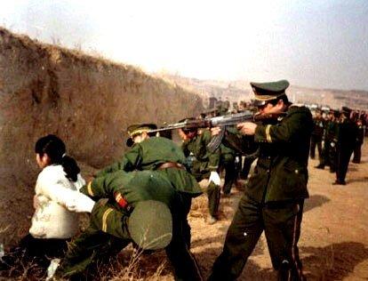 Çin işgali altındaki Doğu Türkistan'da sıradan bahanelerle toplu katliamlara maruz kalan Uygur Türklerinin dramı devam ediyor.