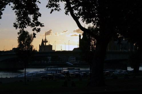 Die Kölner Skyline vom Deutzer Ufer aus