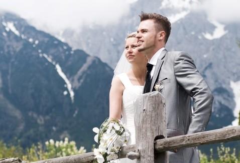 Hochzeit in den Bergen  Trauung in den Alpen  im Gebirge
