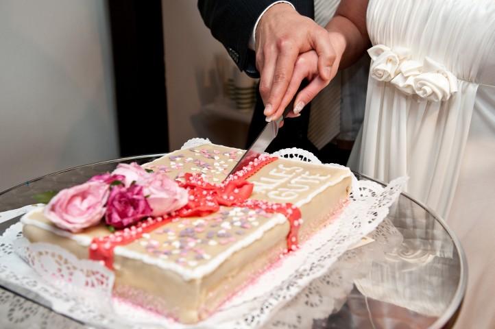 Hochzeitstorte selber backen Tipps und Tricks  Hochzeitcom