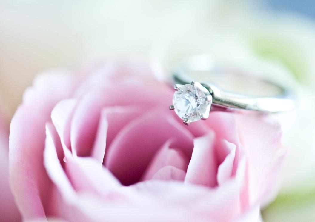 Diamantring  Luxus Verlobungsring mit Diamanten  Brillianten