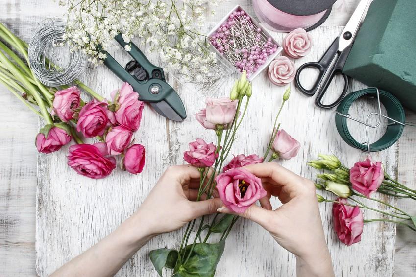 Hochzeitsdeko Blumengestecke selber machen  Hochzeitcom