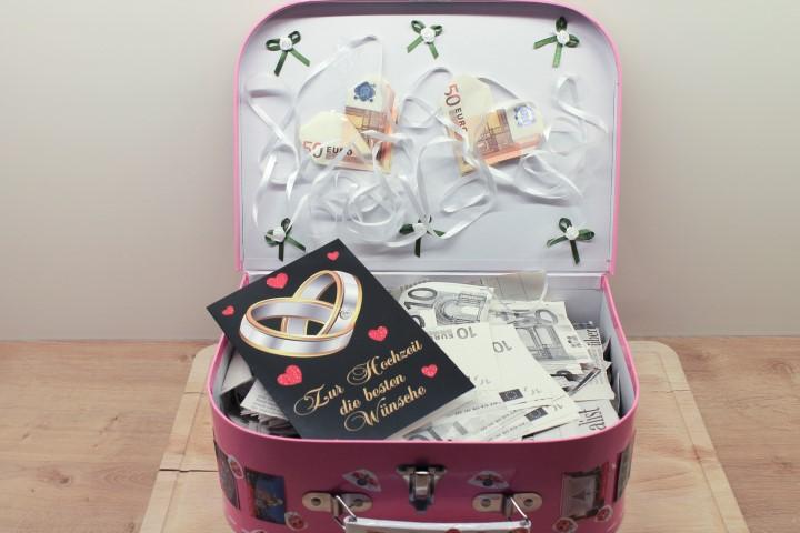 Hochzeitsgeschenk Ein Reisekoffer voll Geld