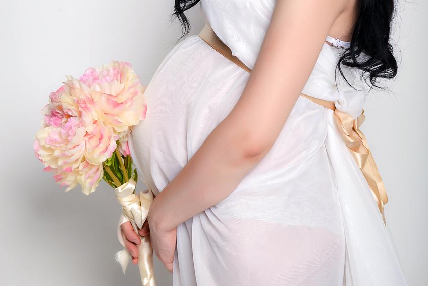 Das Richtige Brautkleid Für Die Schwangerschaft Hochzeit Com