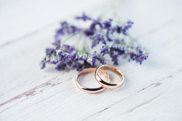 Ringe zum Thema Hochzeit Verlobungsringe  Trauringe