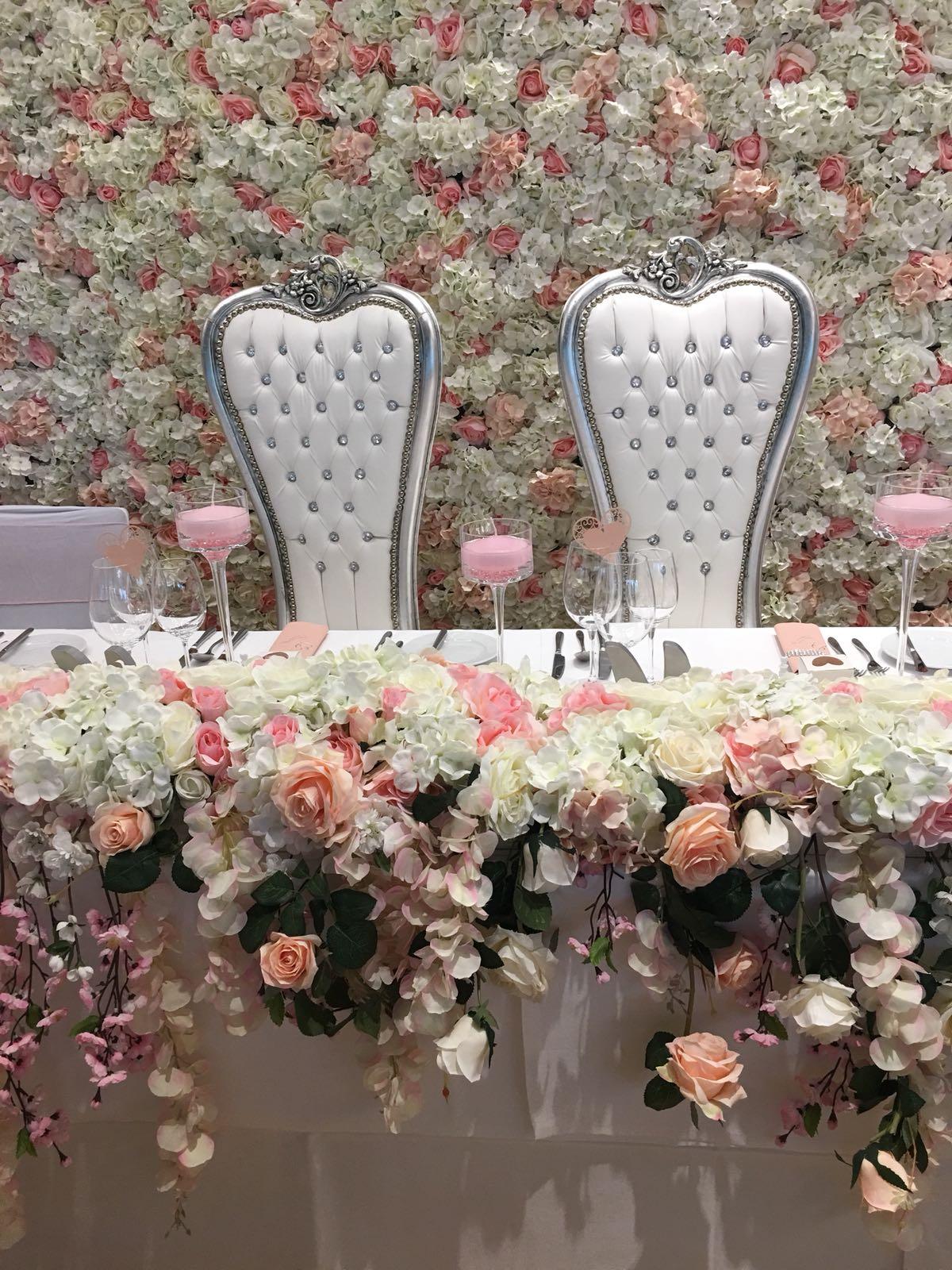 Brauttisch Blumen  Hochzeitsdekoration