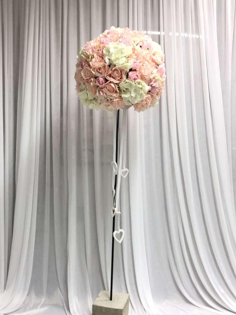 Blumenbaum rosalachs  Hochzeitsdekoration