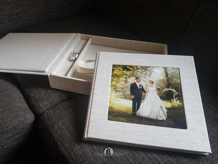 das neue Hochzeitsalbum ist da  Hochzeitsfotograf