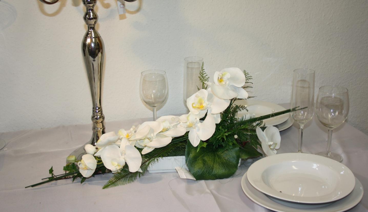 Gesteck Orchideen modern  Gesteck Orchdieen modern Deko