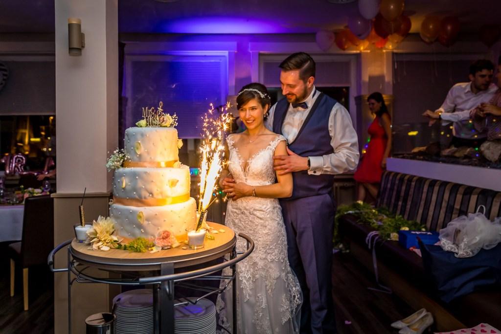 Fotograf Hochzeit Schulauer Fährhaus Hochzeitstorte