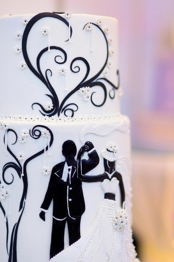 Brautpaar auf Torte  elegant  auergewhnlich
