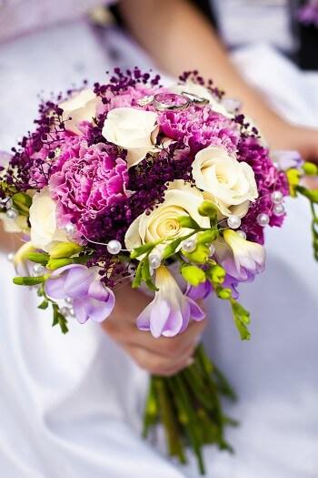 Brautstrau mit Freesien  Bildergalerie Hochzeitsportal24