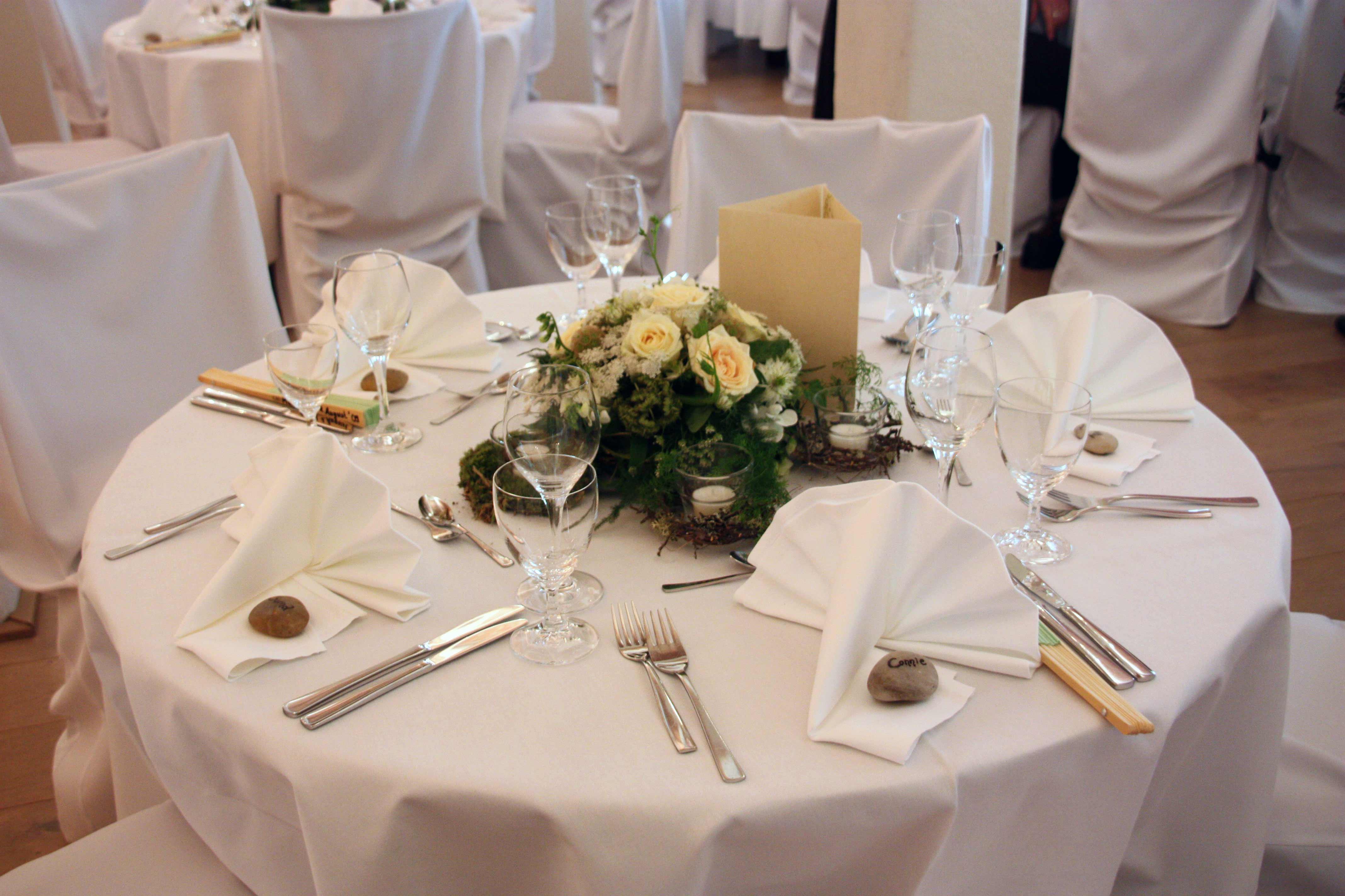 Blumendeko runder Tisch  Bildergalerie Hochzeitsportal24