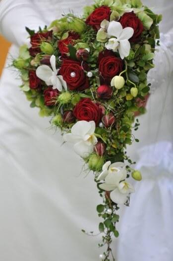 Brautstrau in Herzform  Bildergalerie Hochzeitsportal24