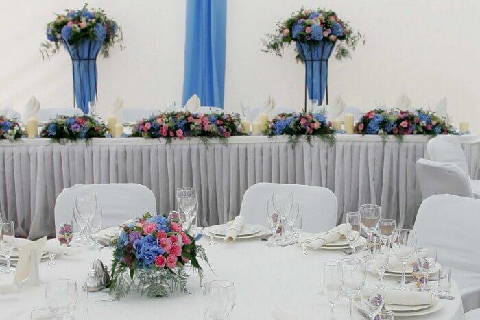 Hochzeitsdekoration in Blau und Rosa  Bildergalerie