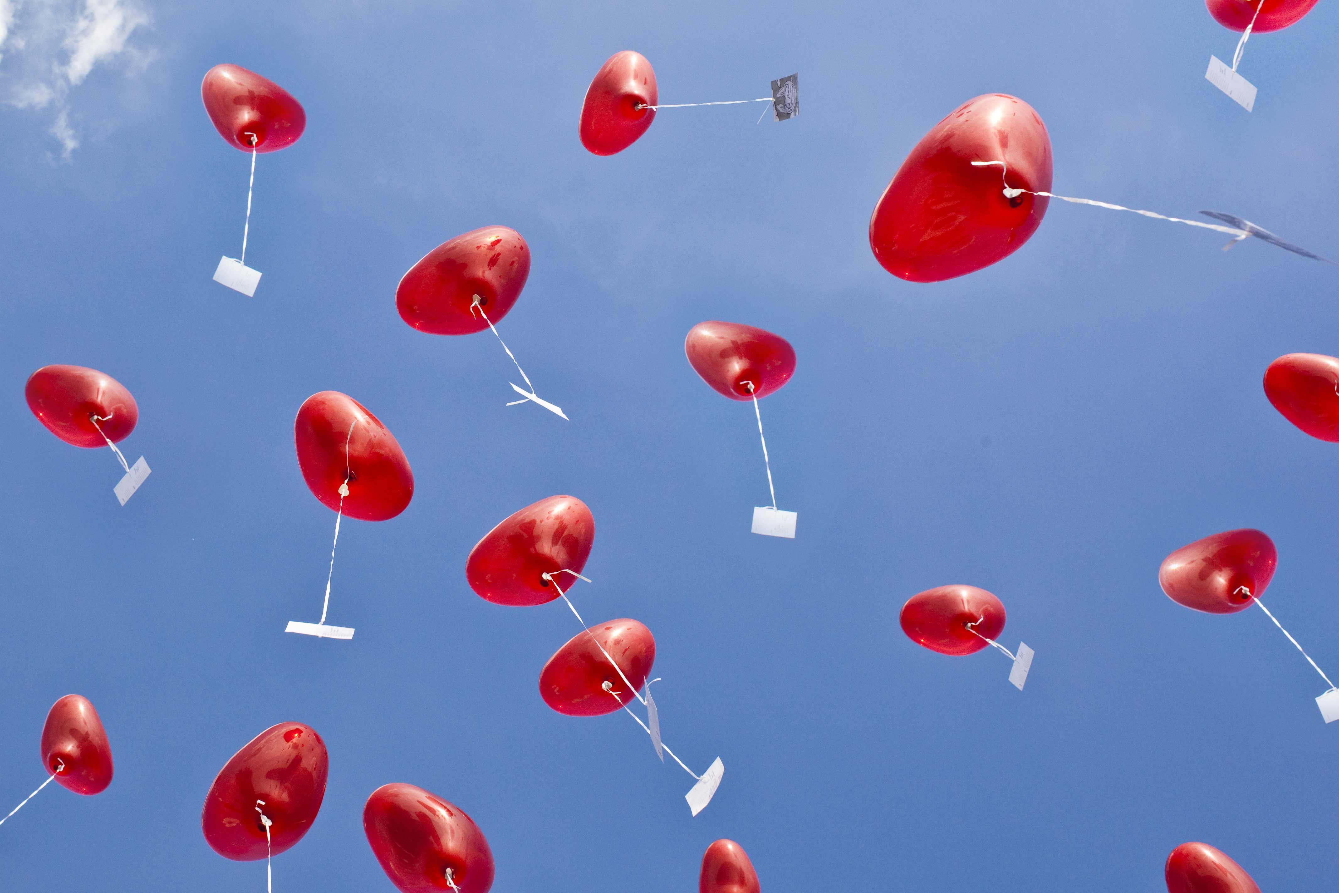 Hochzeitsgeschenk Herzluftballons mit Hochzeitsgren