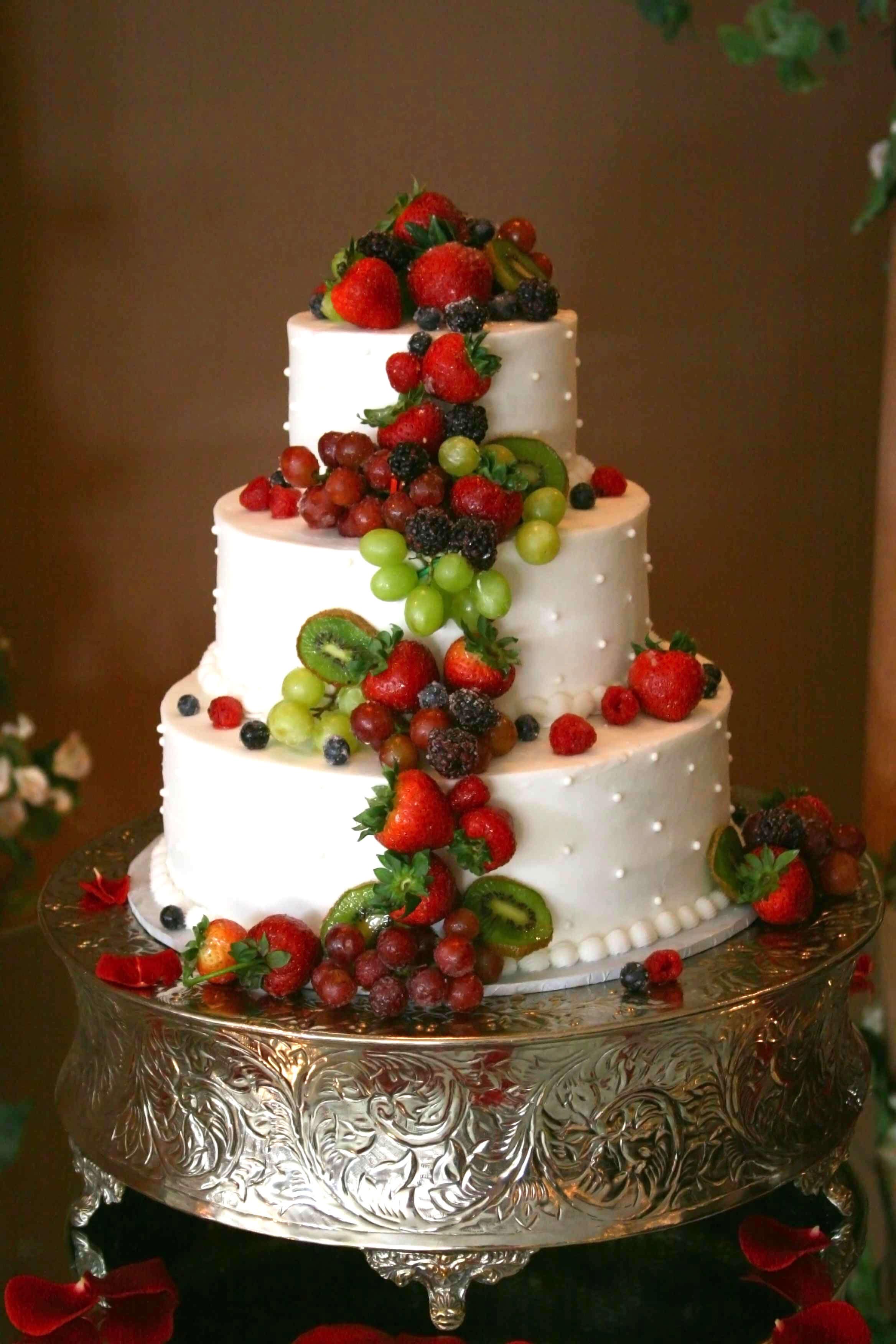 Hochzeitstorte mit Frchten  Galerie Hochzeitsportal24