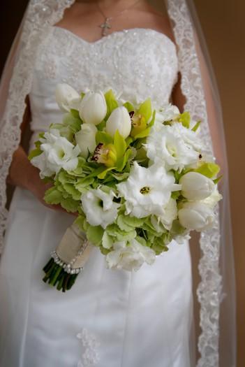 Brautstrau mit Tulpen in Wei  Groe Bildergalerie