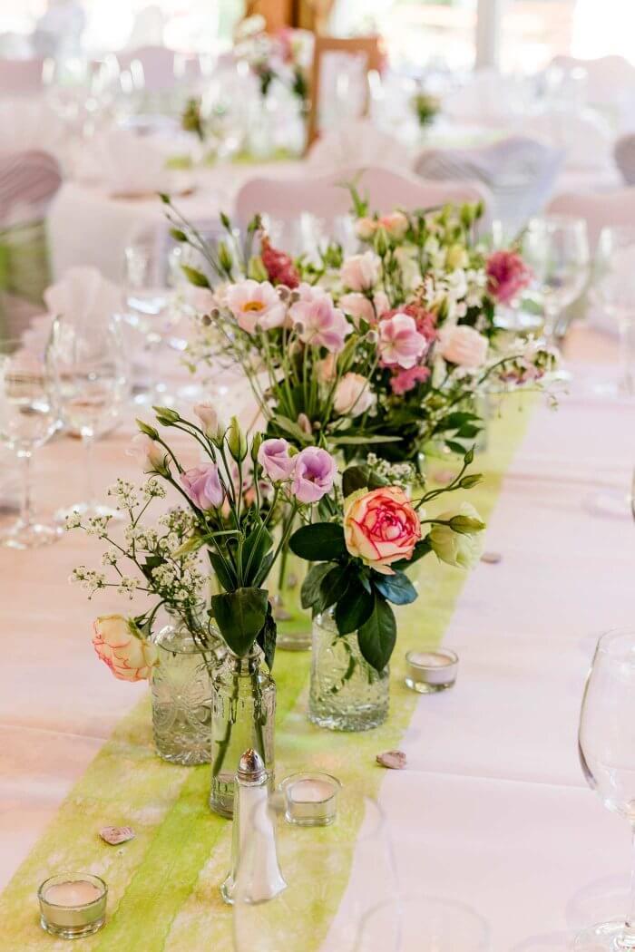 Blumenschmuck Hochzeit Tisch  Viele Beispiele in der