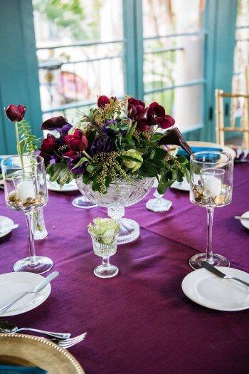 Tischdeko in Lila bei der Hochzeit  Mehr Ideen in der