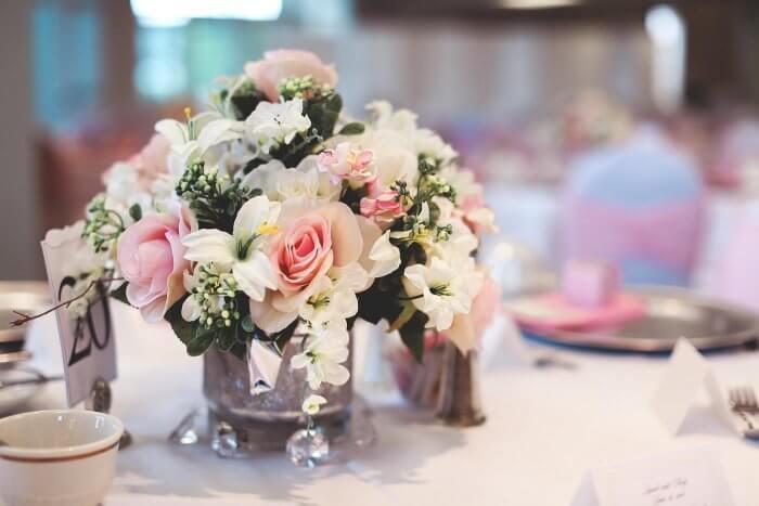 Tischdekoration Blumen Hochzeit  Viele Inspirationen in
