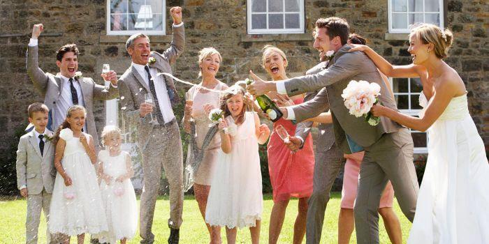 Hochzeit feiern  Standesamt und Kirche an einem Tag oder