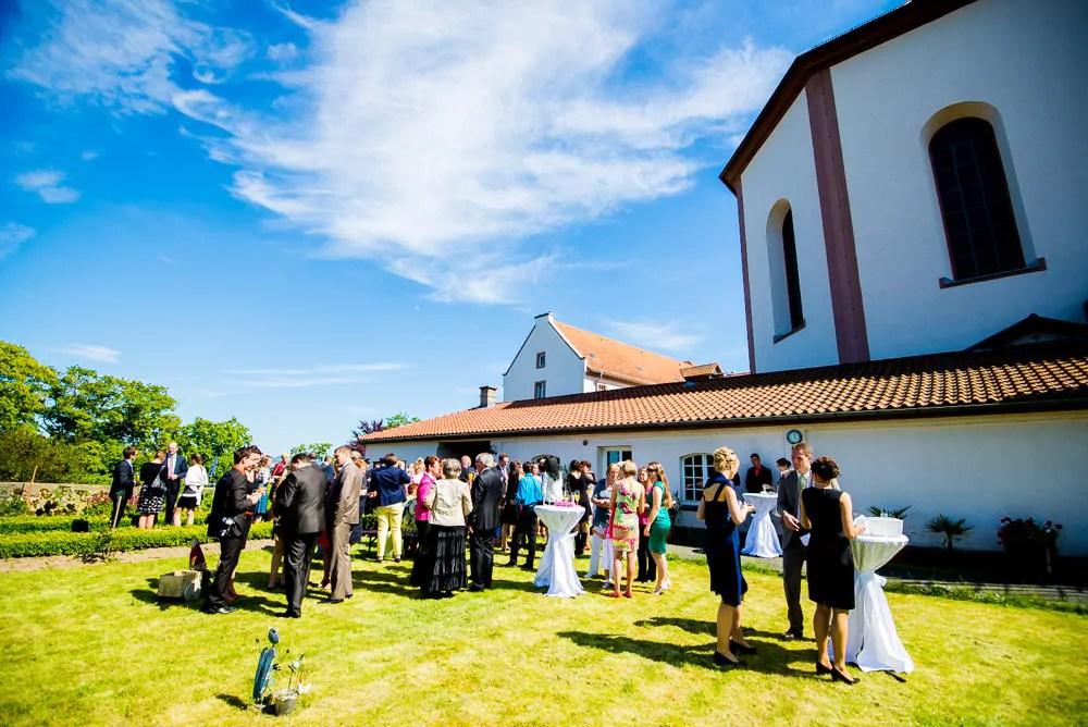 Johannes  Eleisa sagen Ja Juni 2014  Im Kloster auf dem