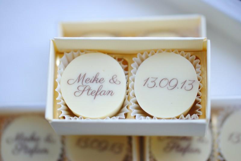 chocolate valley  personalisierte Hochzeitspralinen aus