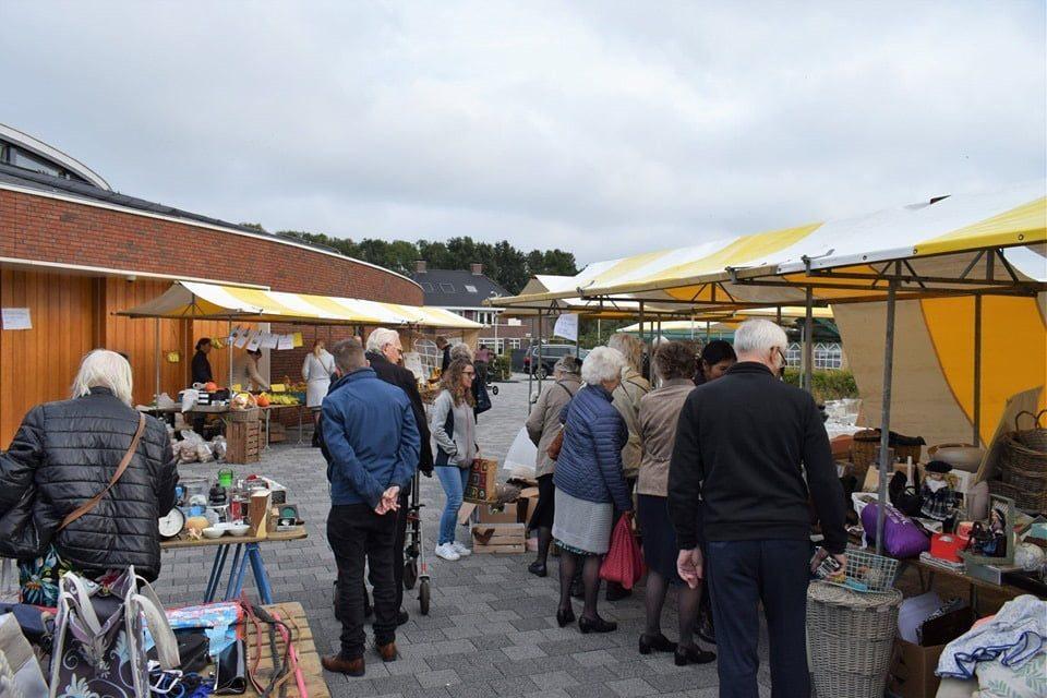 Foto's van een geslaagde Rommelmarkt in Nieuw-Beijerland - Hoeksche Waard - Hoeksch Nieuws - Het laatste nieuws uit de Hoeksche Waard
