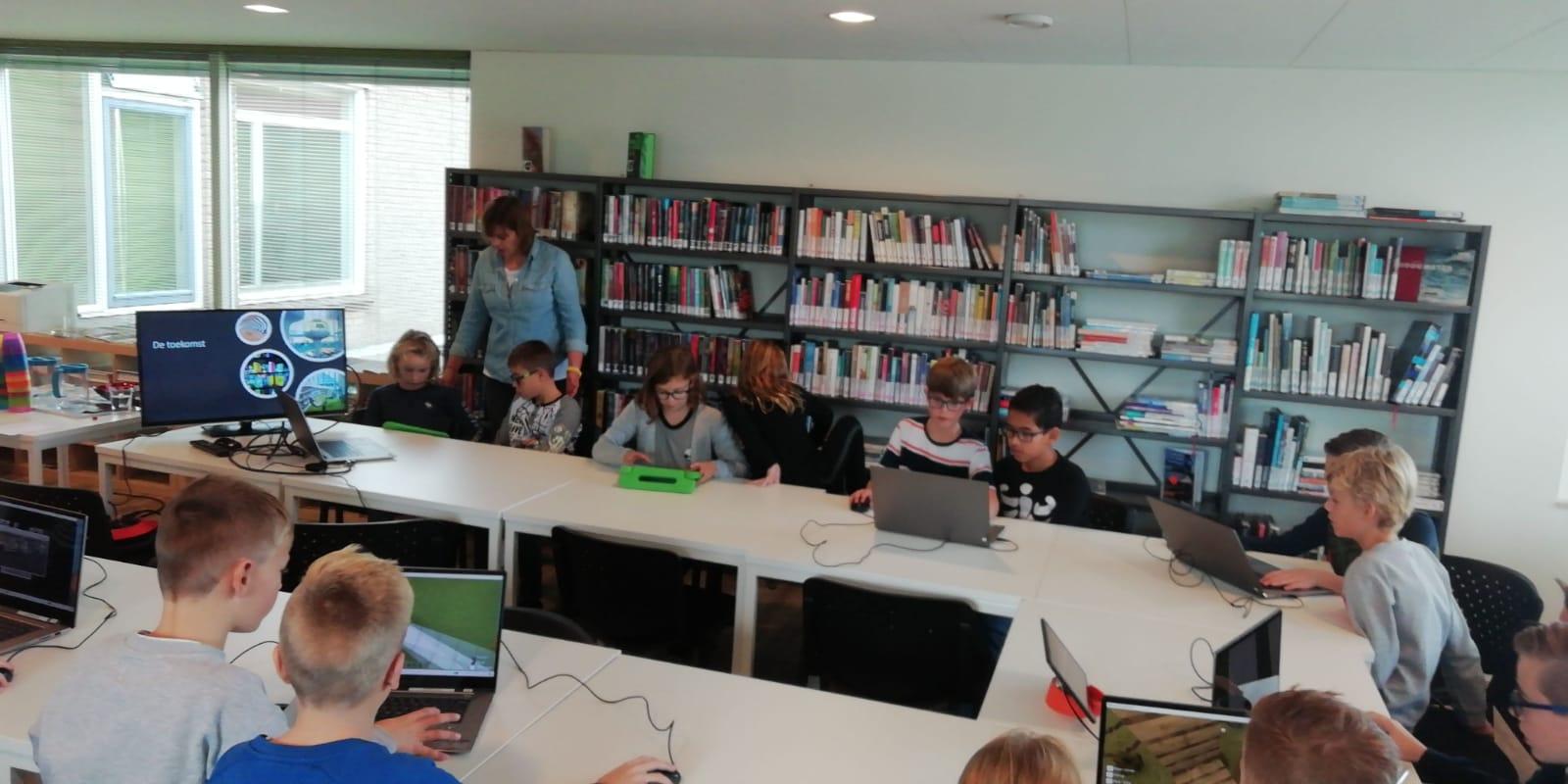 Workshop Minecraft in bibliotheek Numansdorp een succes! - Hoeksche Waard - Hoeksch Nieuws