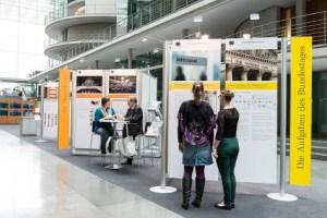 Die Wanderausstellung des Deutschen Bundestages im Paul Löbe Haus (©Linus Lintner Fotografie)