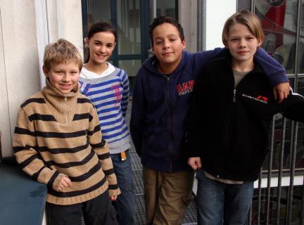 v.l.: Philipp Fuchs, Celine Vogt, Max von der Groeben und Lukas Schreiber; Bild: WDR/S.Anneck