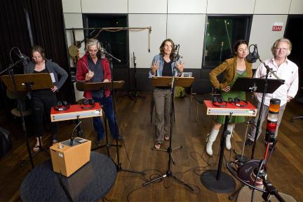 Kirsten Hartung, Tony de Maeyer, Dorothee Metz, Christina Weiser, Klaus Wildermuth; Bild: DLR / Sandro Most