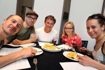 vv.l.n.r Barnaby Metschurat, Andreas Laurenz Maier, Peter Davor, Cathlen Gawlich und Janina Sachau; Bild: WDR/Sibylle Anneck