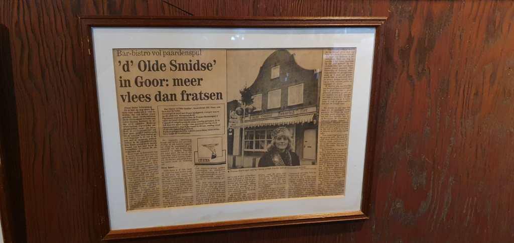 Nostalgie aan de muur bij d'Olde Smidse