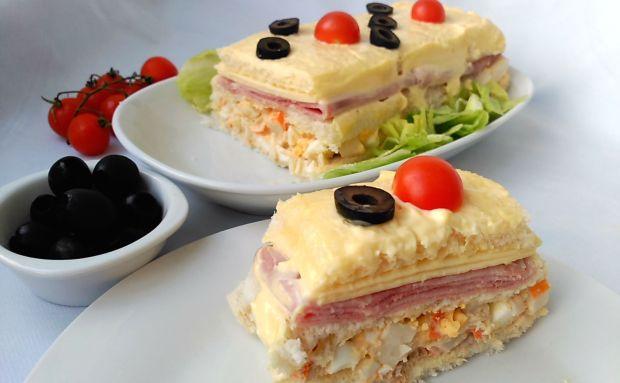 pastel frío de atún y palitos de cangrejo