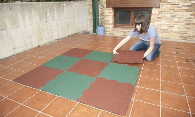 Instalar suelo de caucho granulado  Bricomana