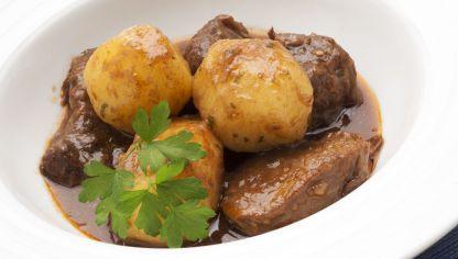 Receta de Guiso de ternera con patatas y championes
